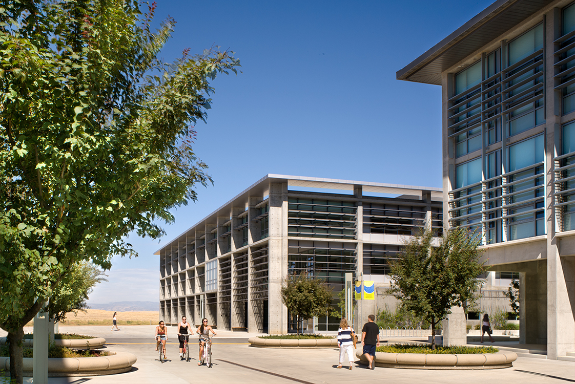 UC Merced Social Sciences and Management Building Exterior with Students