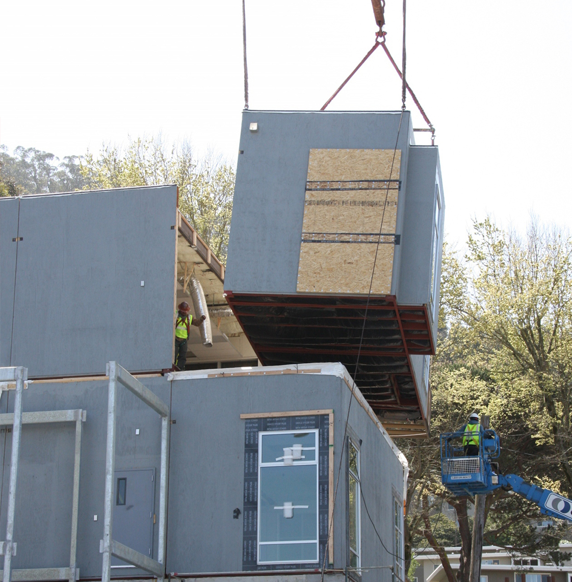 UC San Francisco Kirkham Child Development Center Prefabrication Assembly with Crane